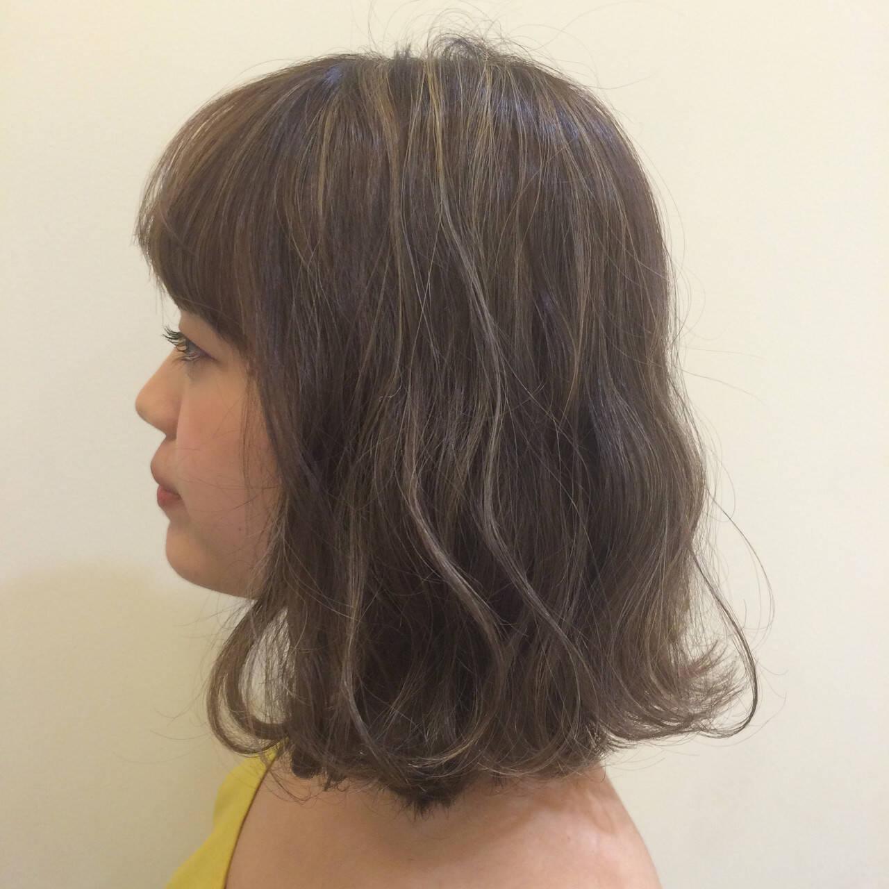 ナチュラル ゆるふわ ハイライト 極細ハイライトヘアスタイルや髪型の写真・画像