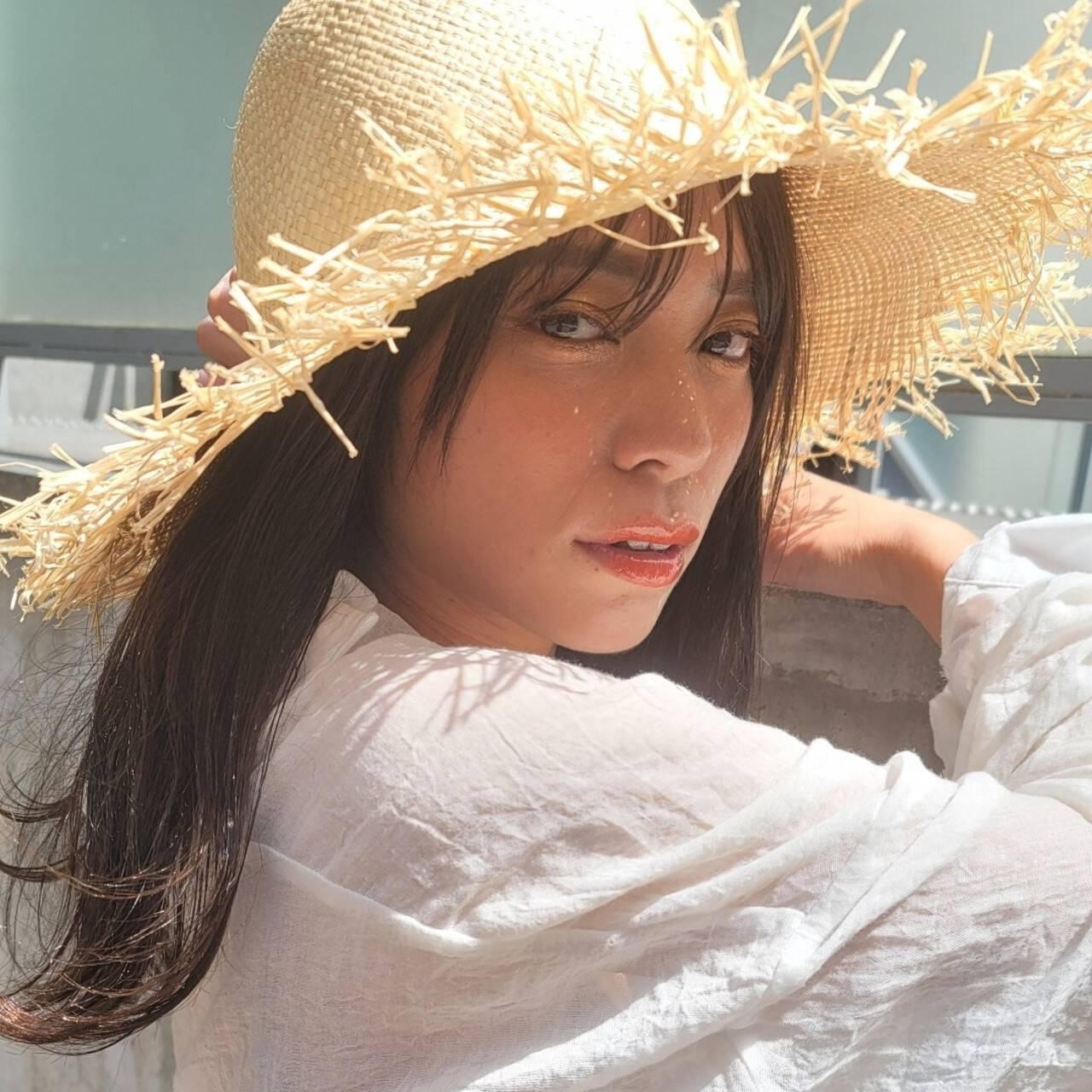 アンニュイほつれヘア シースルーバング ナチュラル ミディアムヘアスタイルや髪型の写真・画像