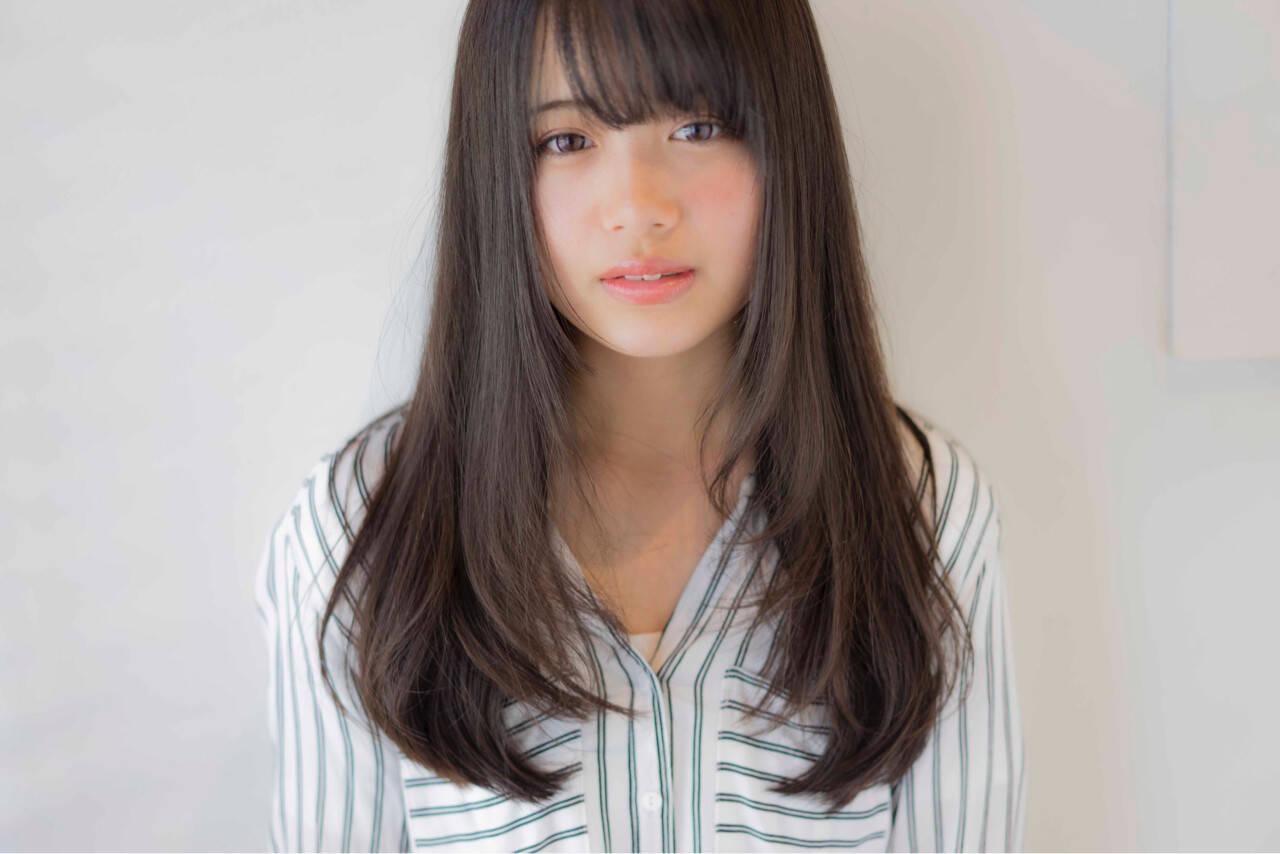 アッシュ ストレート ガーリー 前髪ありヘアスタイルや髪型の写真・画像