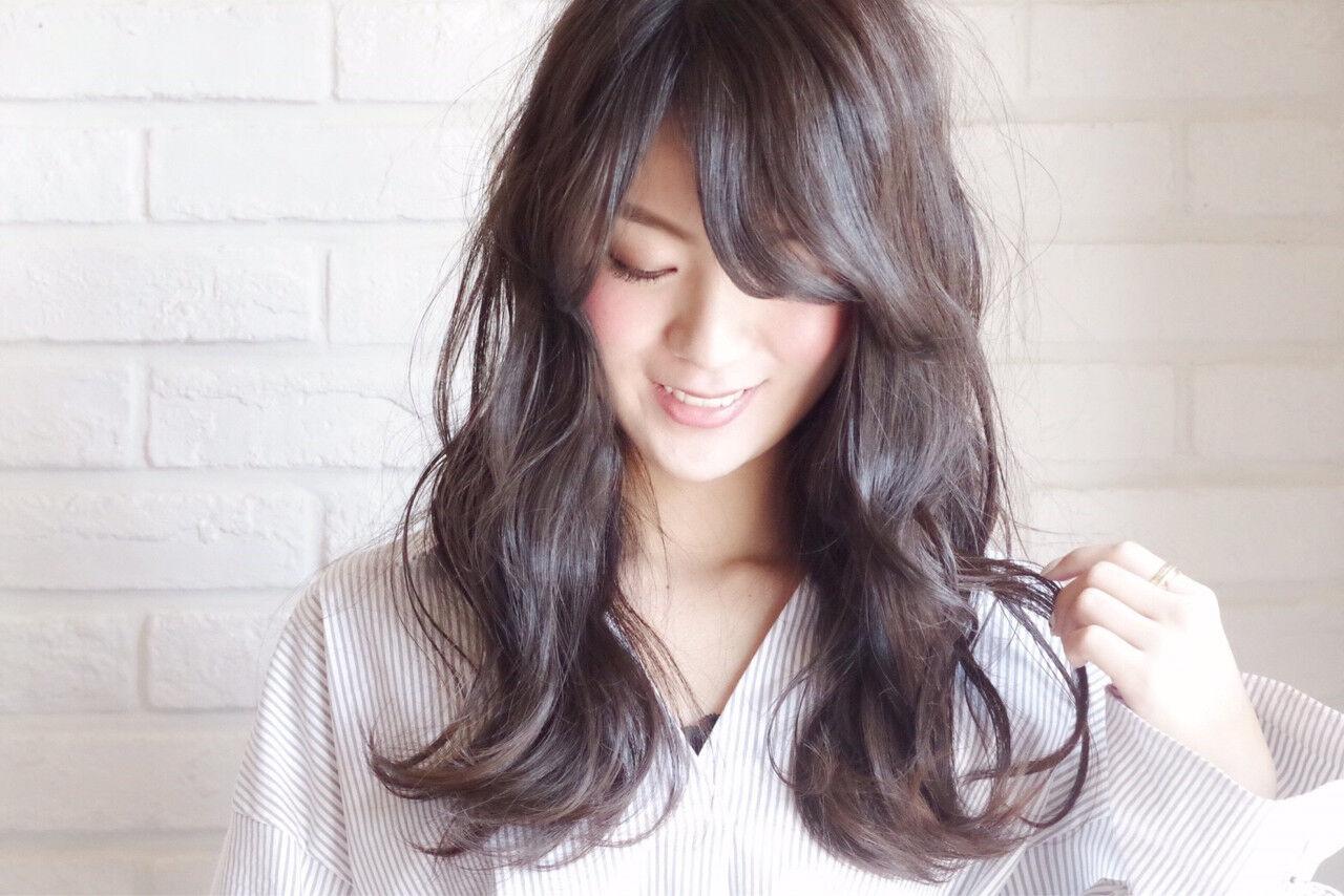 ナチュラル 黒髪 デート 前髪ありヘアスタイルや髪型の写真・画像