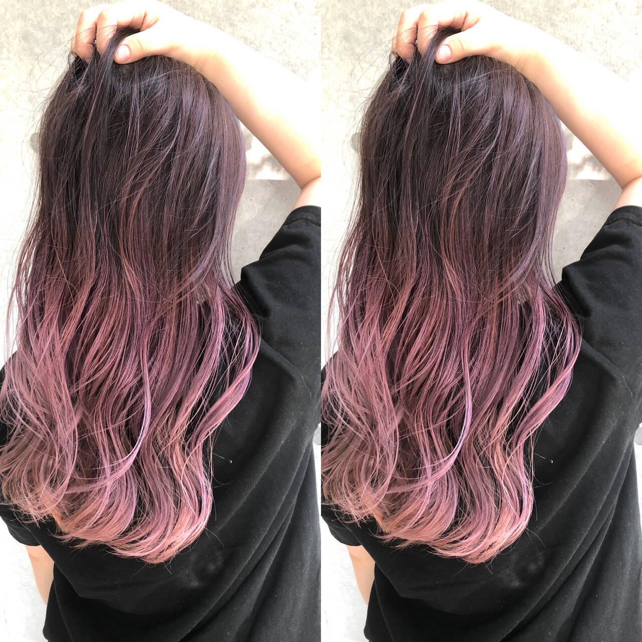 バレイヤージュ ピンクバイオレット ピンクパープル ストリートヘアスタイルや髪型の写真・画像