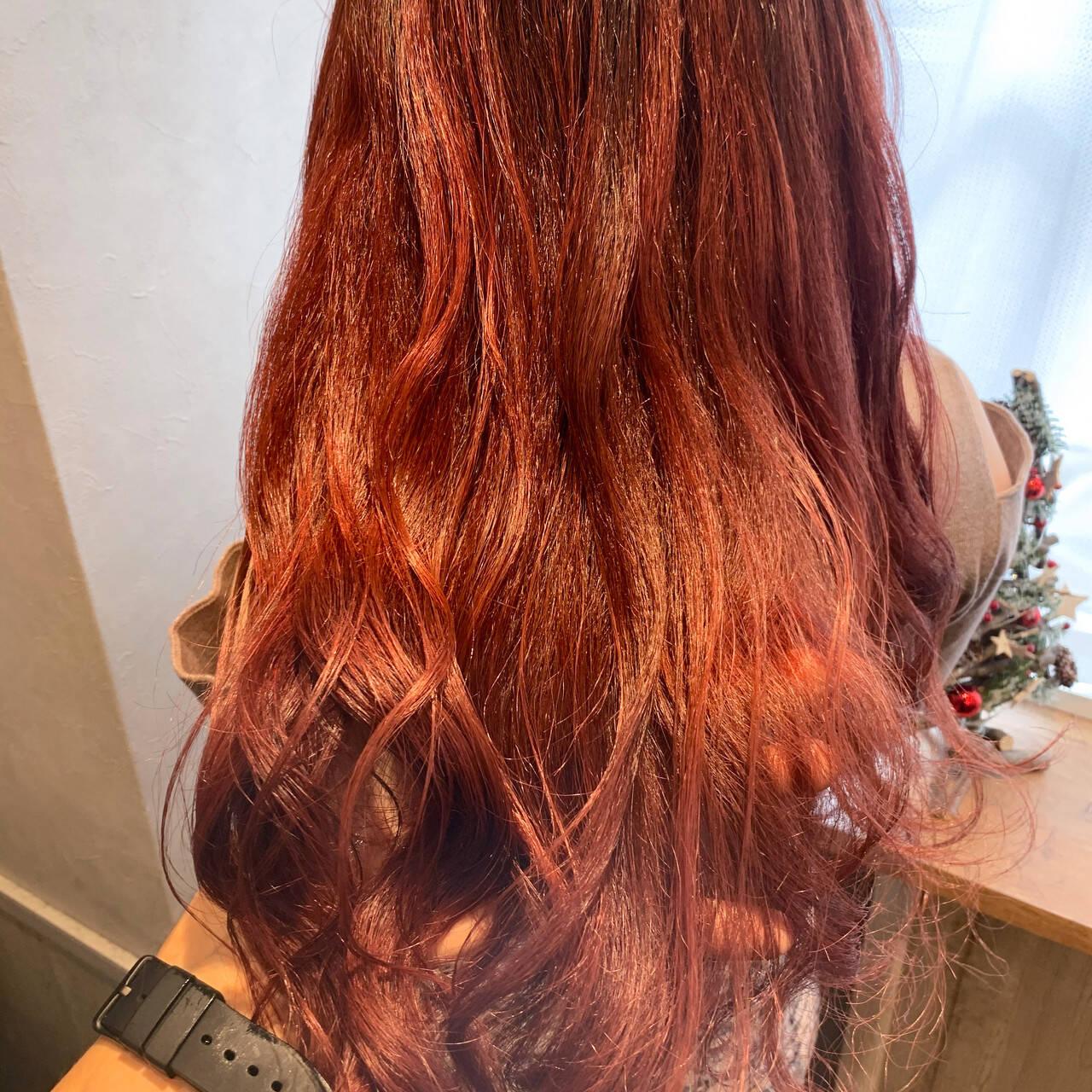 ナチュラル ロング ローズ チェリーレッドヘアスタイルや髪型の写真・画像