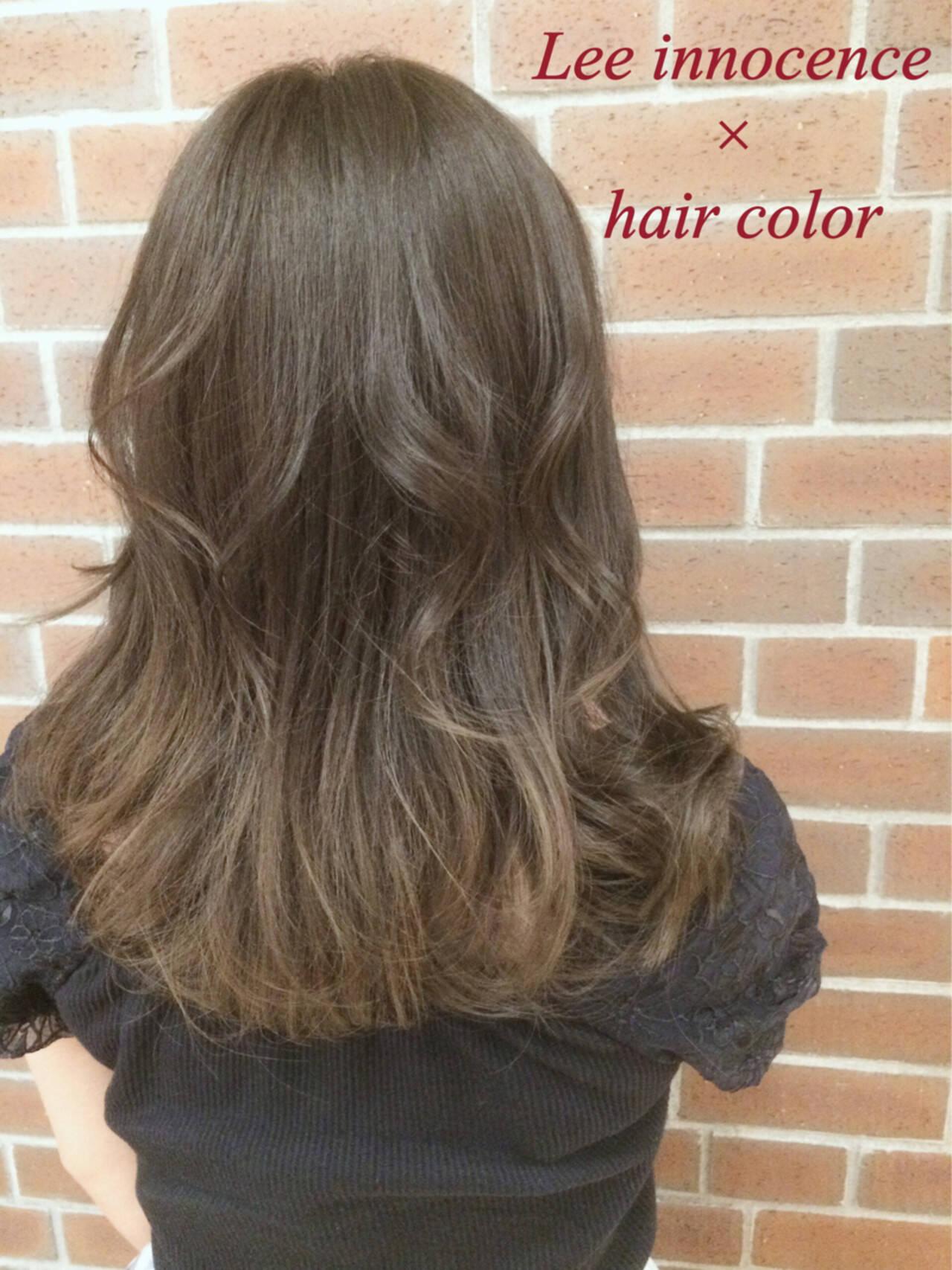 フェミニン ハイライト アッシュ ミディアムヘアスタイルや髪型の写真・画像