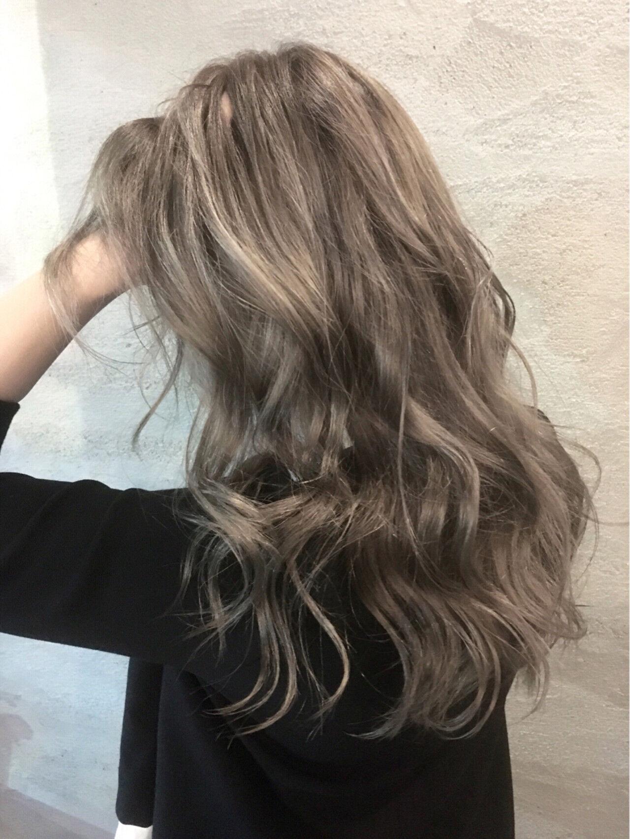 外国人風 冬 秋 ウェーブヘアスタイルや髪型の写真・画像
