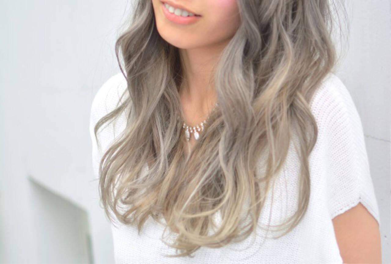 アッシュ 外国人風カラー フェミニン グラデーションカラーヘアスタイルや髪型の写真・画像
