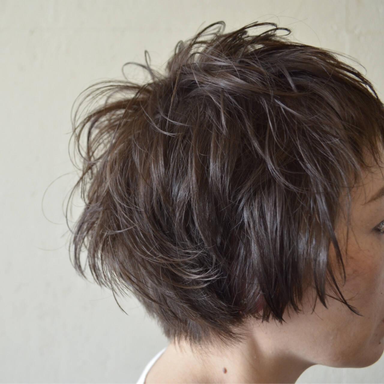 レイヤーカット ショート ウルフカット マッシュヘアスタイルや髪型の写真・画像