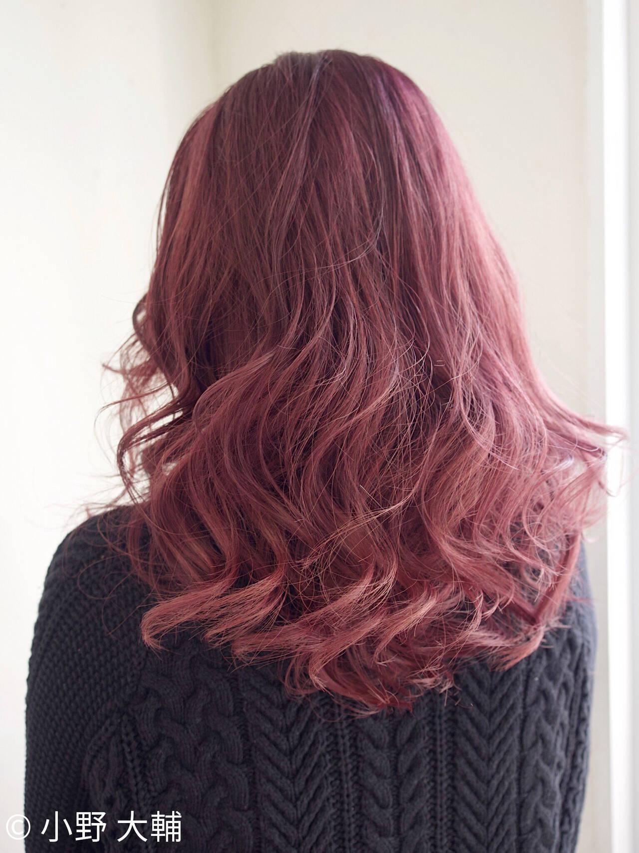 外国人風カラー インナーカラー レッド ピンクヘアスタイルや髪型の写真・画像