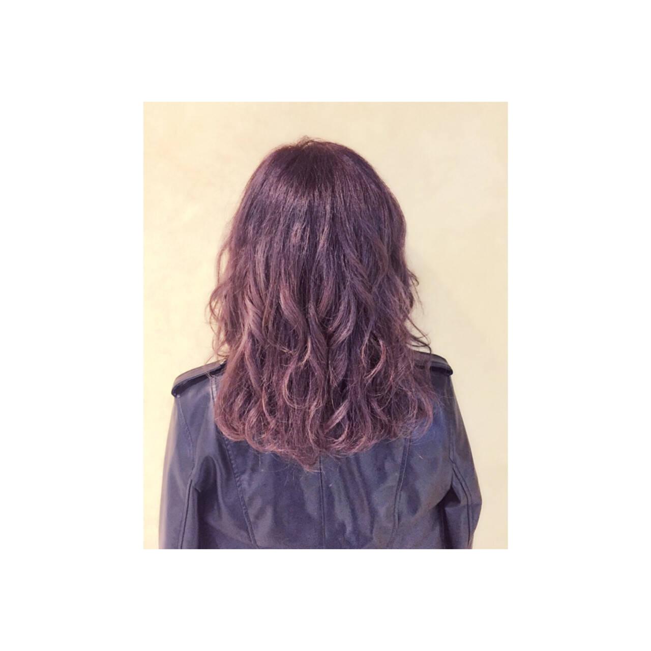 外国人風 アッシュ ストリート ミディアムヘアスタイルや髪型の写真・画像