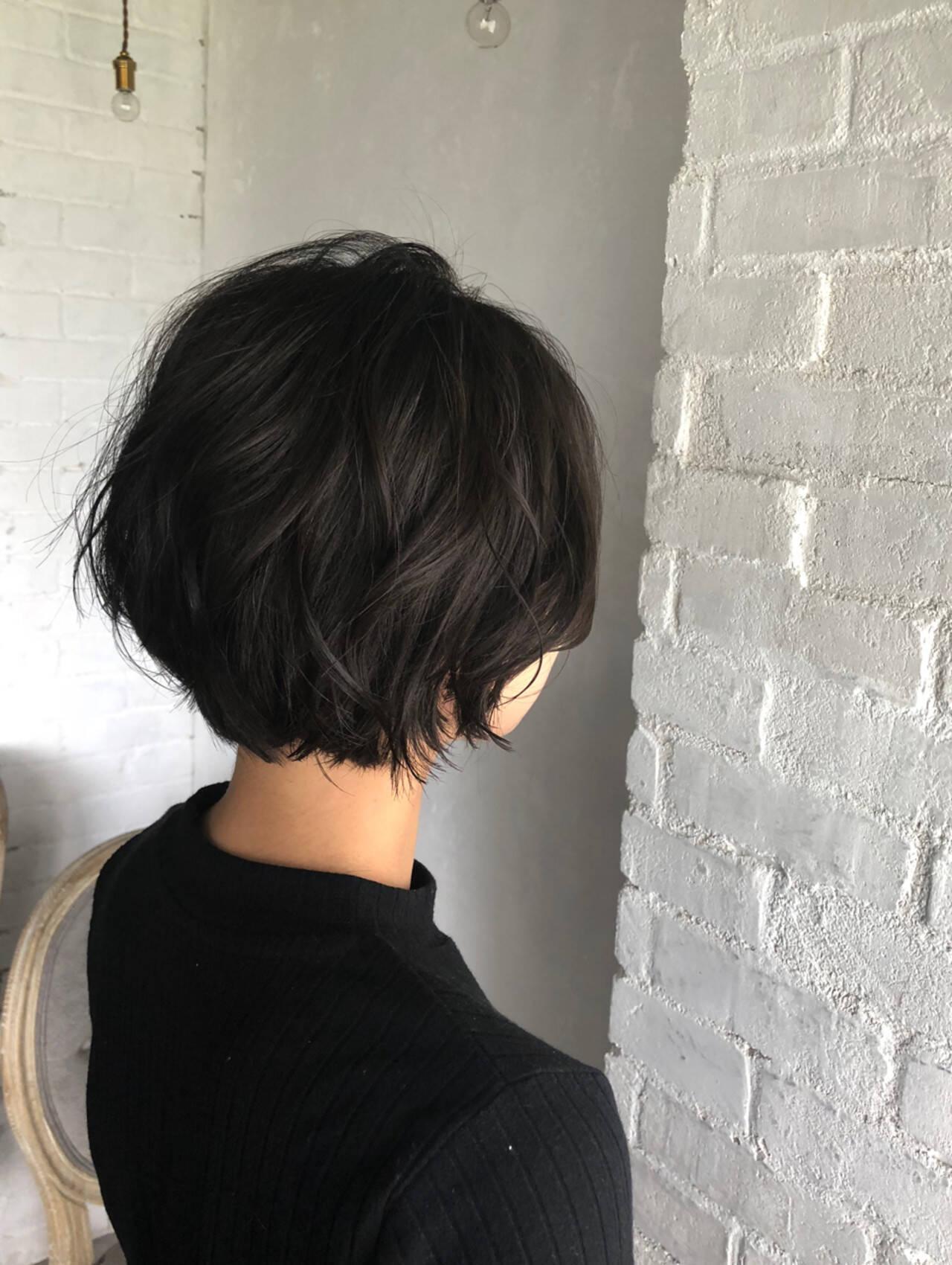大人女子 ナチュラル 秋 ショートヘアスタイルや髪型の写真・画像