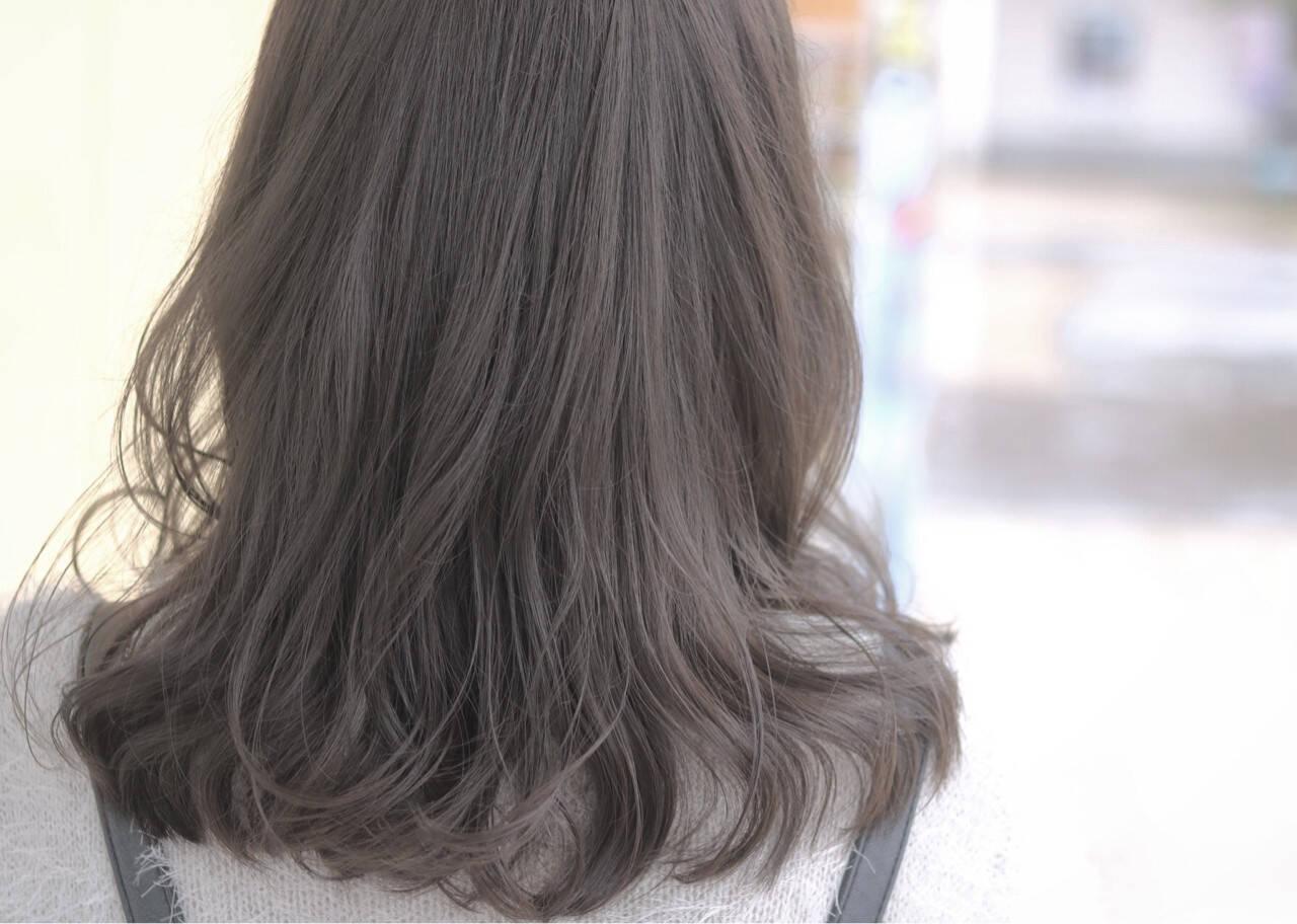外国人風 グレージュ ゆるふわ ニュアンスヘアスタイルや髪型の写真・画像