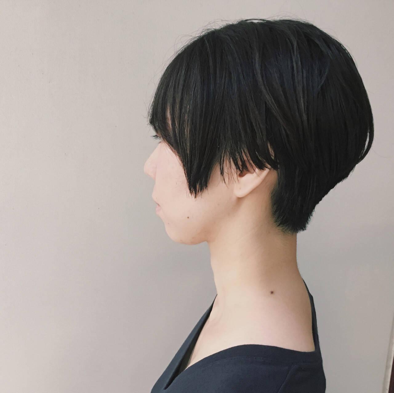 ショートヘア 大人女子 モード 黒髪ヘアスタイルや髪型の写真・画像