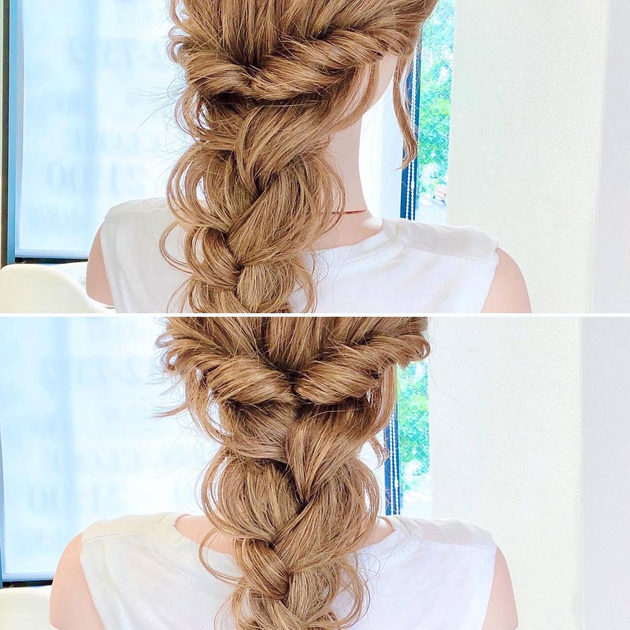 ヘアセット フェミニン ロング くるりんぱヘアスタイルや髪型の写真・画像