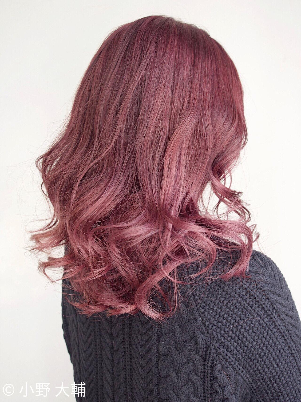 ミディアムレイヤー ラベンダーピンク ミディアム ナチュラルヘアスタイルや髪型の写真・画像