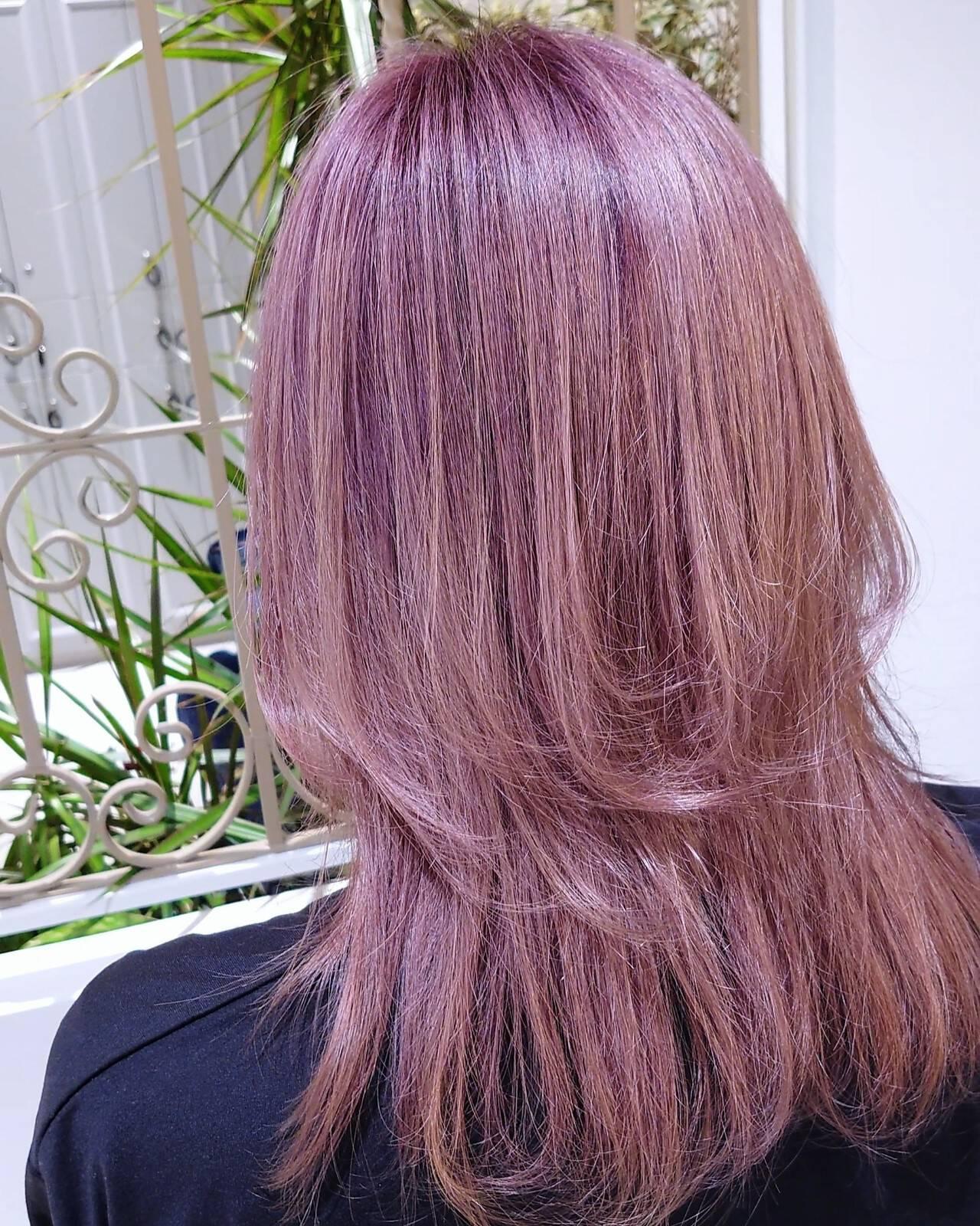 フェミニン ウルフカット ピンクアッシュ セミロングヘアスタイルや髪型の写真・画像