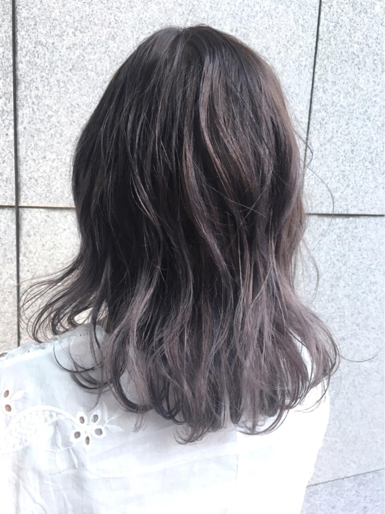 外国人風カラー セミロング ストリート グレージュヘアスタイルや髪型の写真・画像