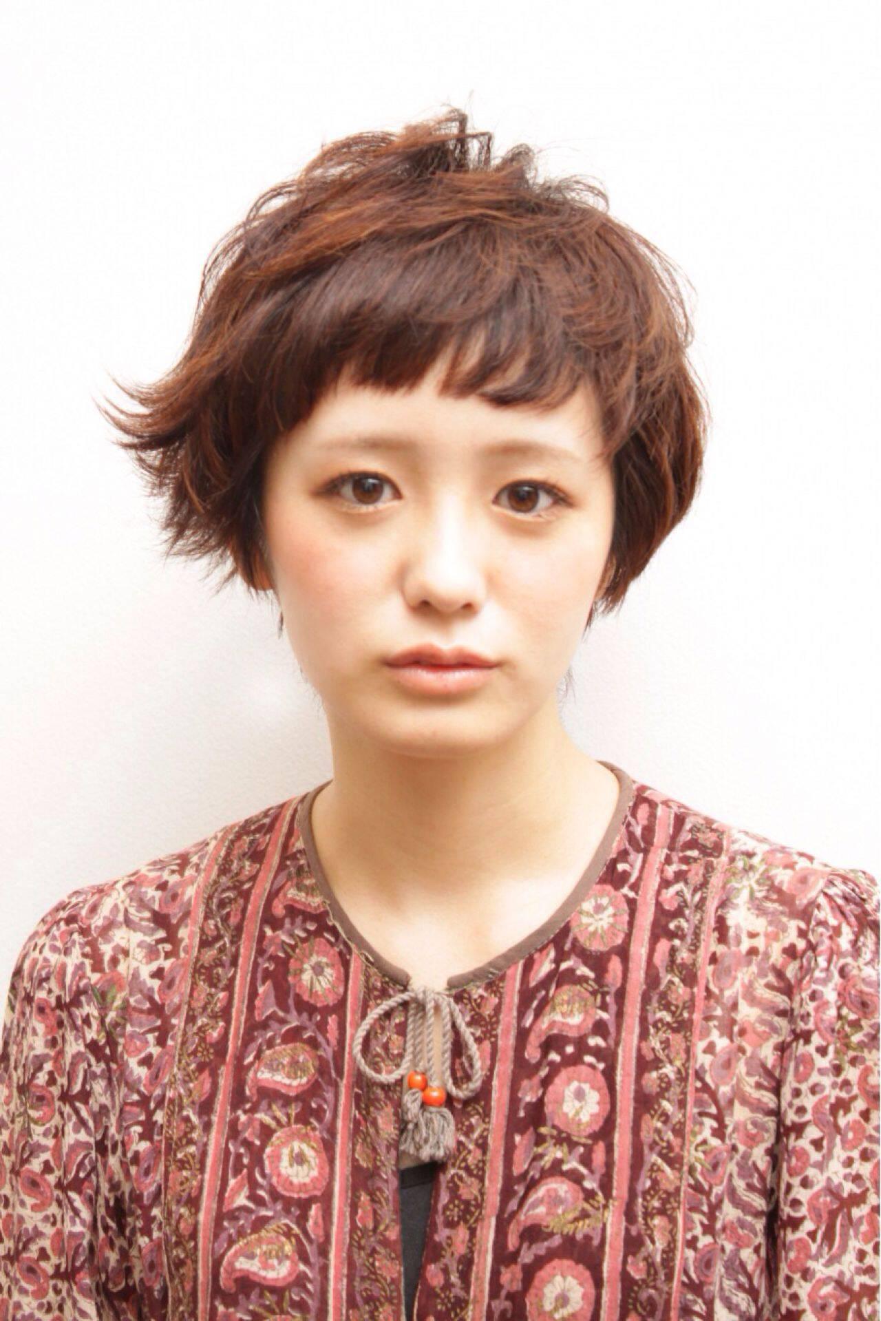 ガーリー ナチュラル ショート アシメバングヘアスタイルや髪型の写真・画像