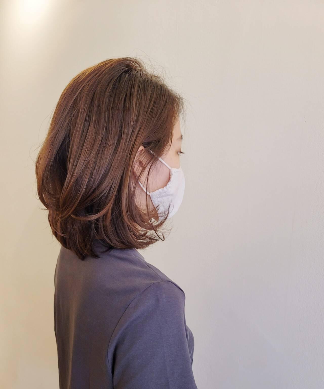 ヘアカット 大人ミディアム 耳かけ エレガントヘアスタイルや髪型の写真・画像