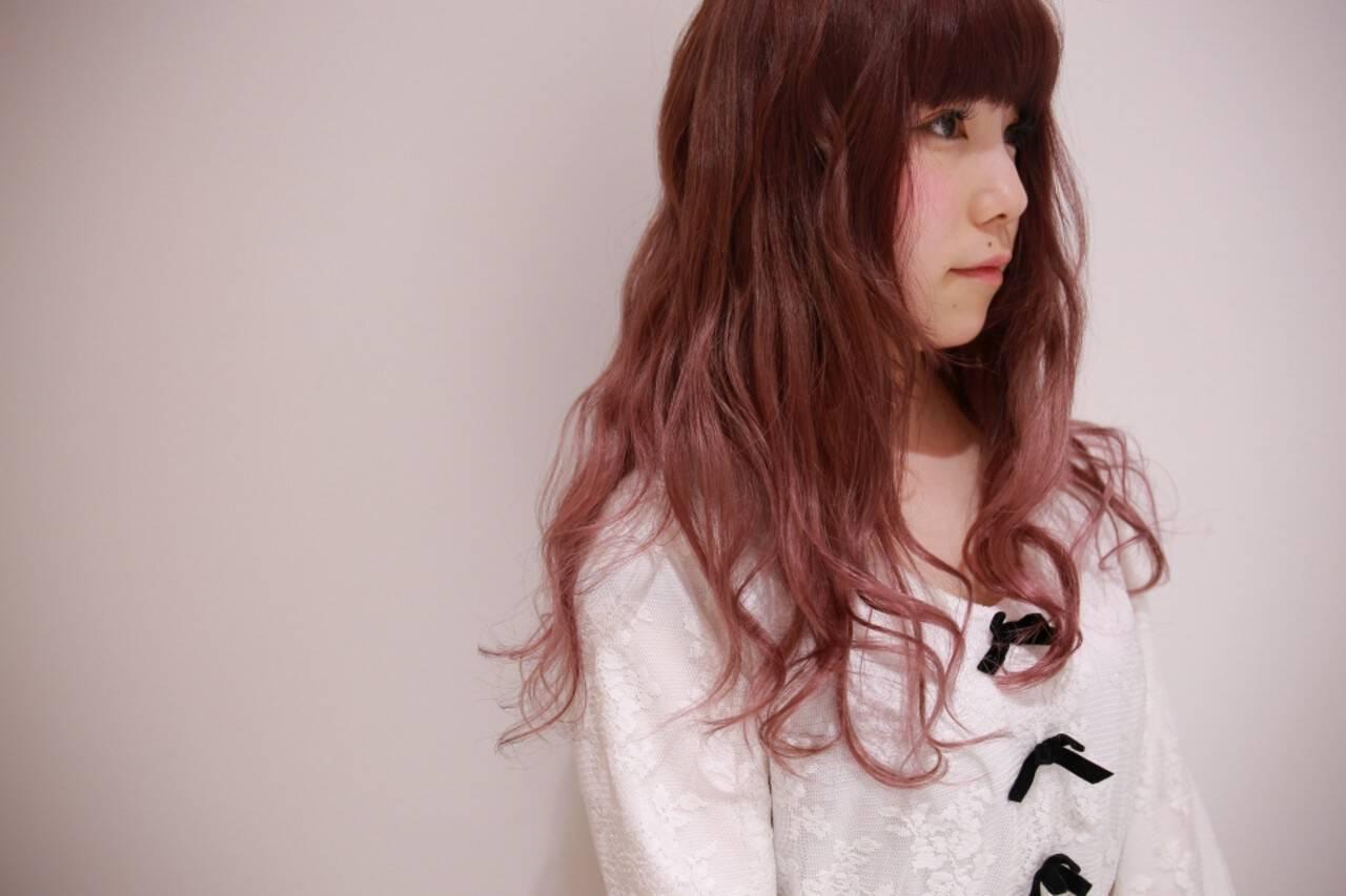 ベージュ ロング ダブルカラー ハイトーンヘアスタイルや髪型の写真・画像