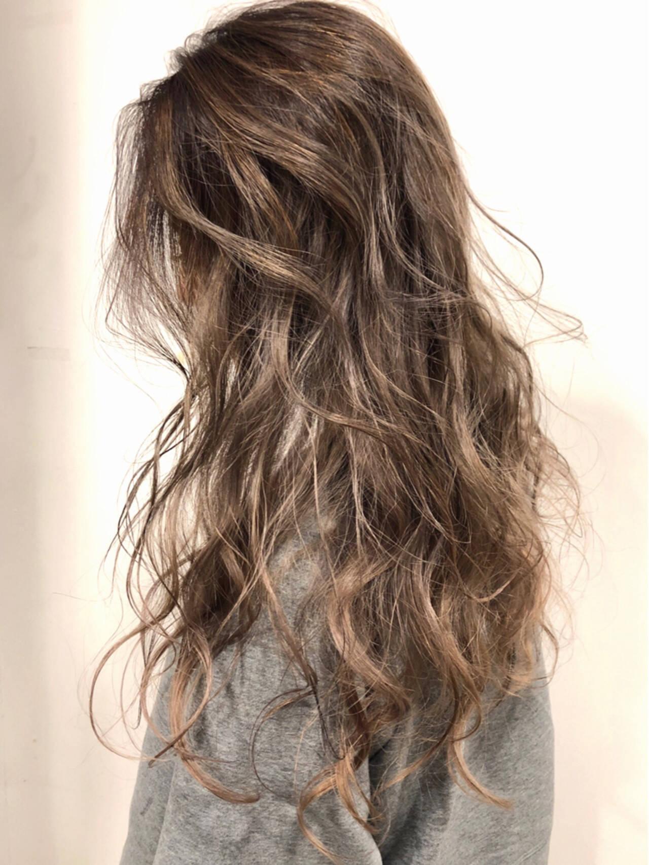 西海岸風 アリシアスタン ロング デザインカラーヘアスタイルや髪型の写真・画像