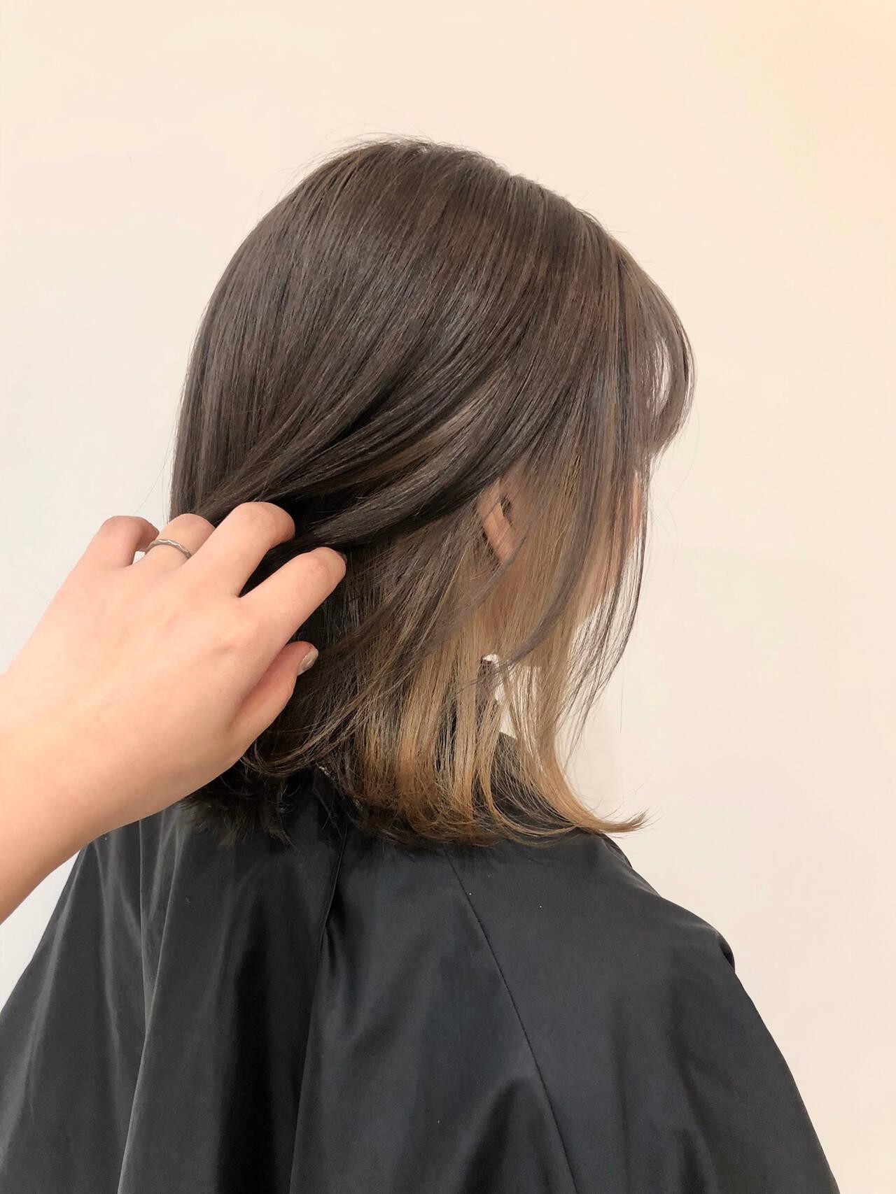 モード ミディアム ベージュ インナーカラーヘアスタイルや髪型の写真・画像