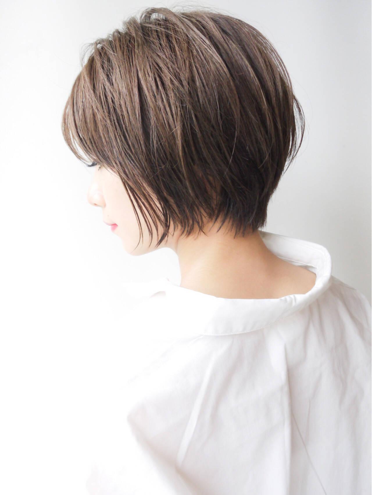 ショートボブ オフィス コンサバ ショートヘアスタイルや髪型の写真・画像