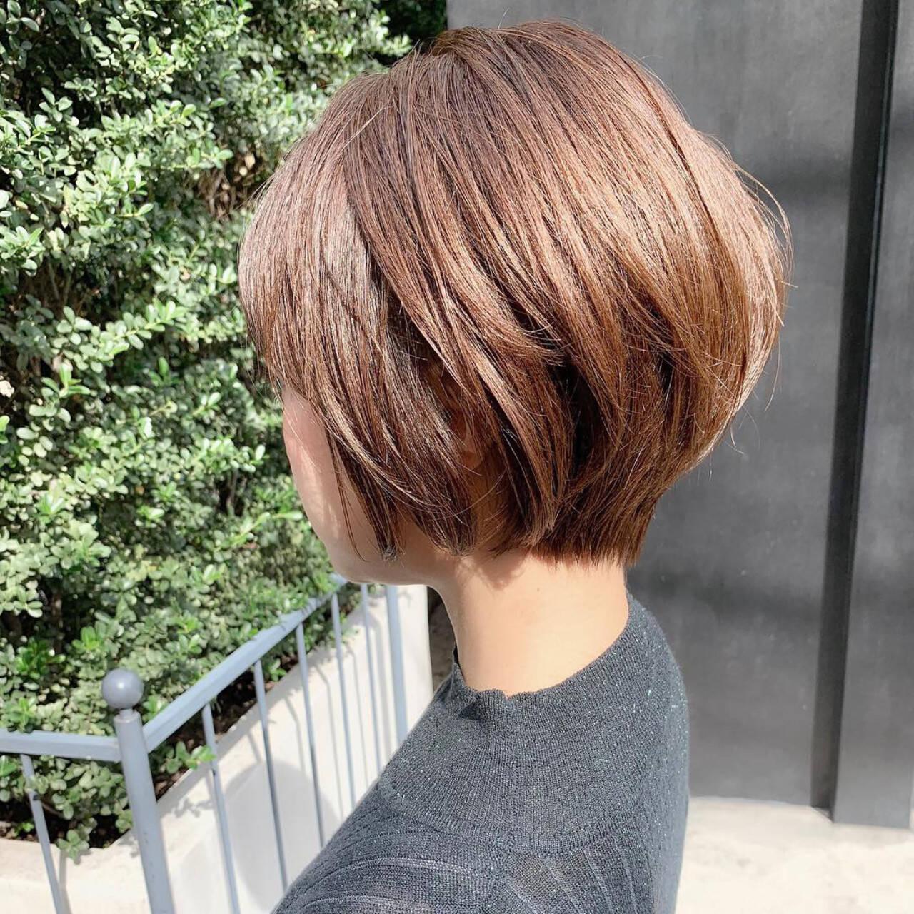 スポーツ アウトドア ショート ナチュラルヘアスタイルや髪型の写真・画像