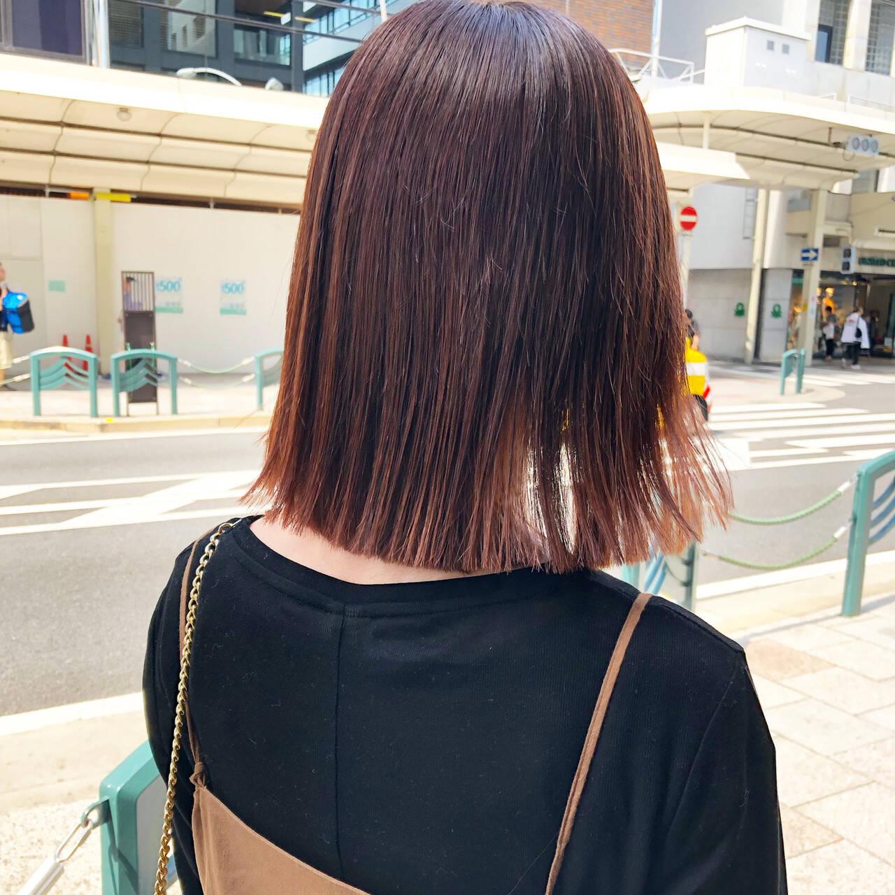 ピンク ミディアム ベリーピンク ピンクアッシュヘアスタイルや髪型の写真・画像