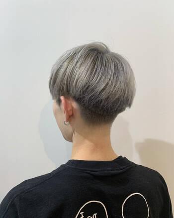 色 メンズ 髪