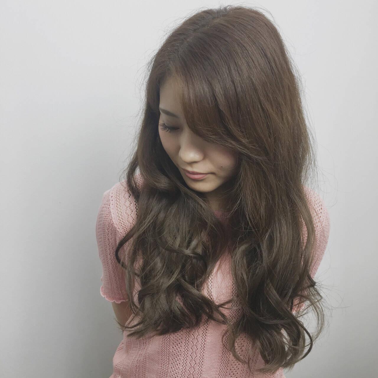 大人女子 小顔 ナチュラル ゆるふわヘアスタイルや髪型の写真・画像