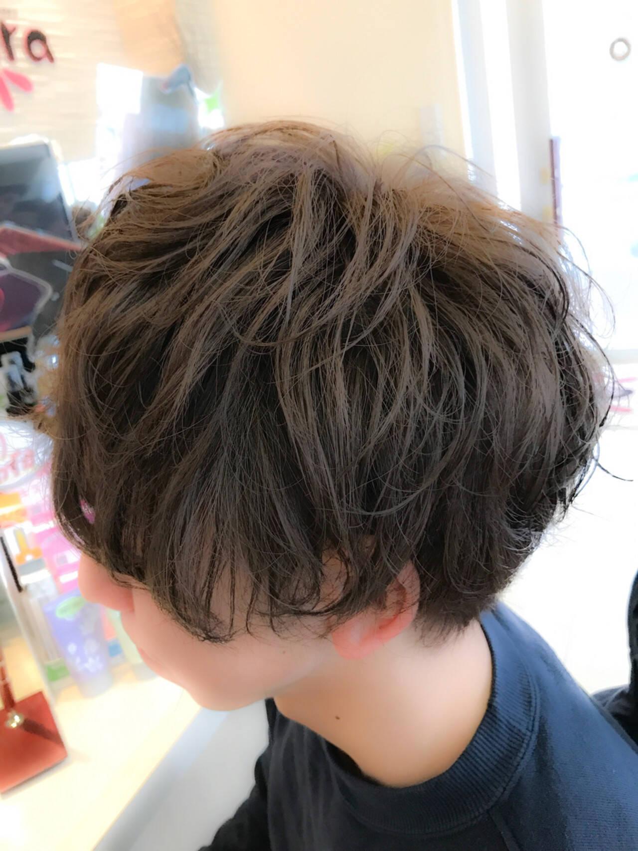 パーマ ナチュラル マッシュ メンズヘアスタイルや髪型の写真・画像