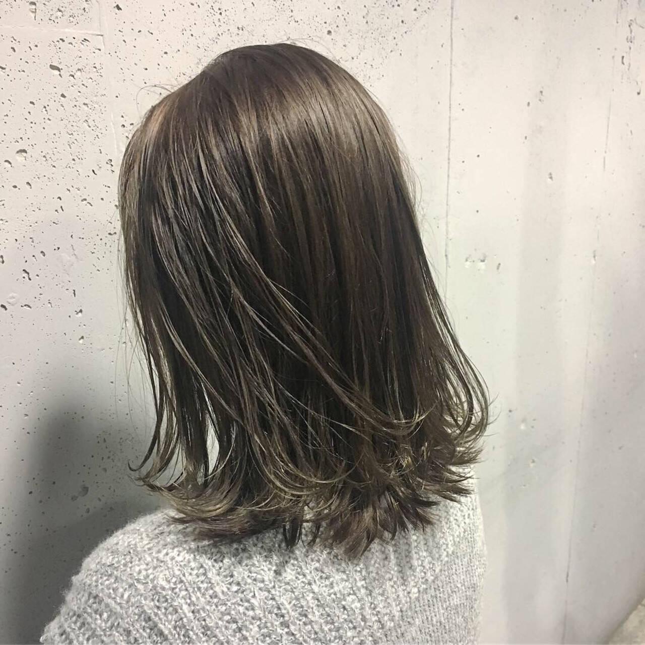 ブルーアッシュ 透明感カラー ナチュラル ヘアカラーヘアスタイルや髪型の写真・画像