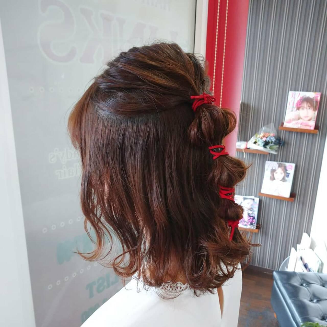 ハーフアップ ナチュラル たまねぎアレンジ 簡単ヘアアレンジヘアスタイルや髪型の写真・画像