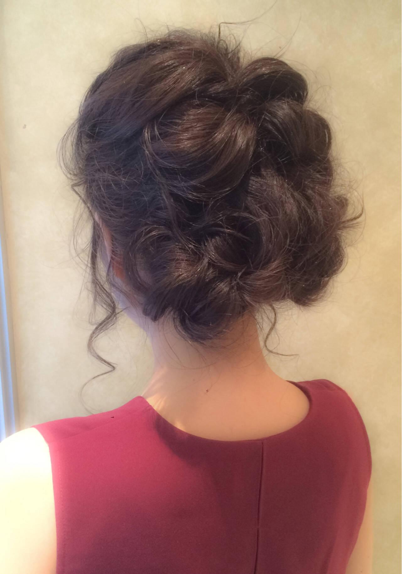 ねじり ルーズ ショート セミロングヘアスタイルや髪型の写真・画像
