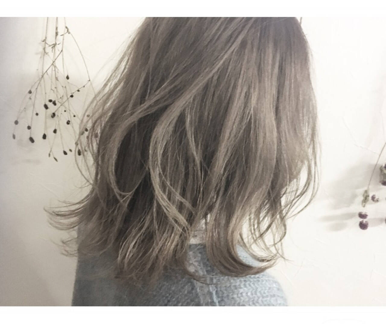 マッシュ アッシュ ミルクティー グレージュヘアスタイルや髪型の写真・画像