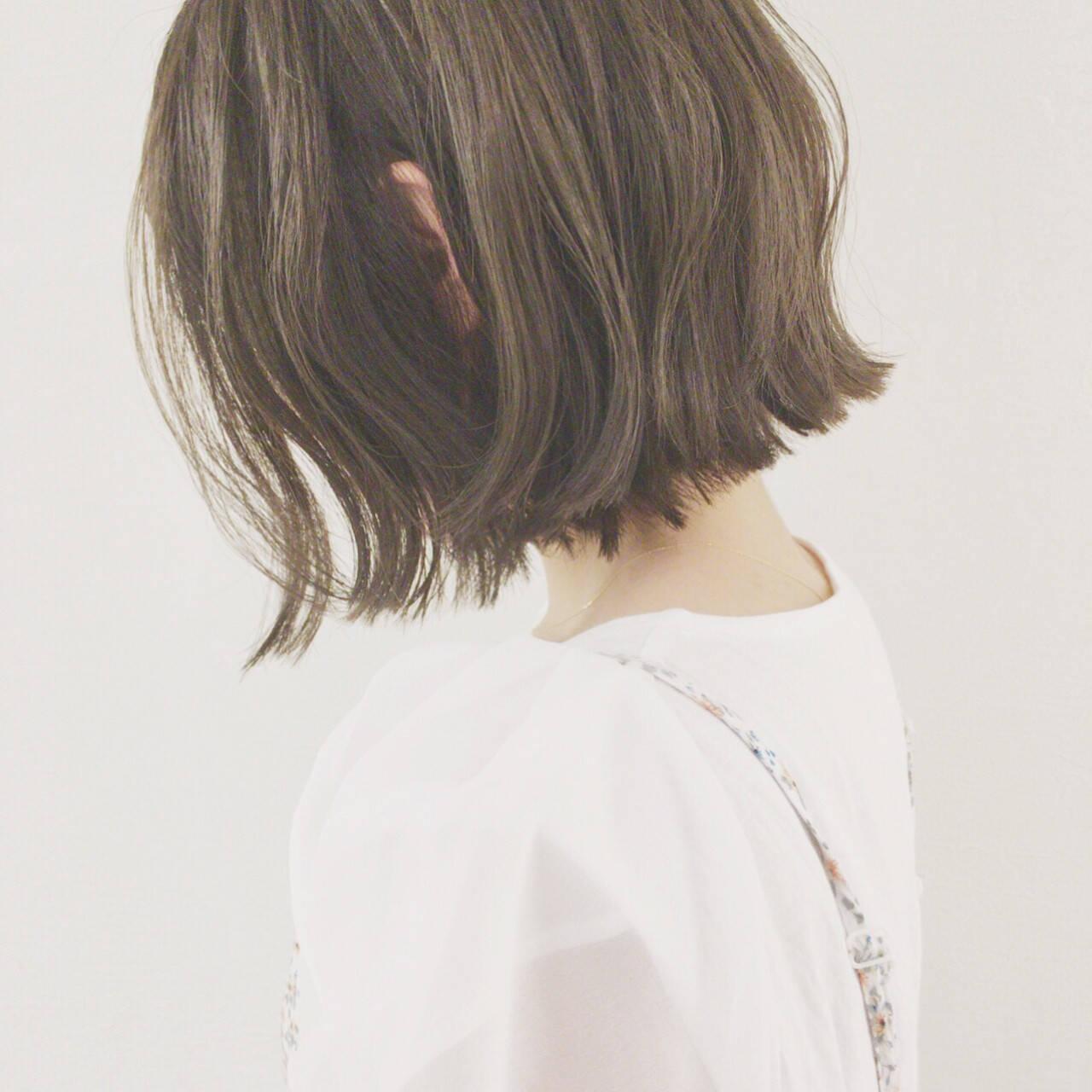 デート ショートボブ ボブ ウェーブヘアスタイルや髪型の写真・画像