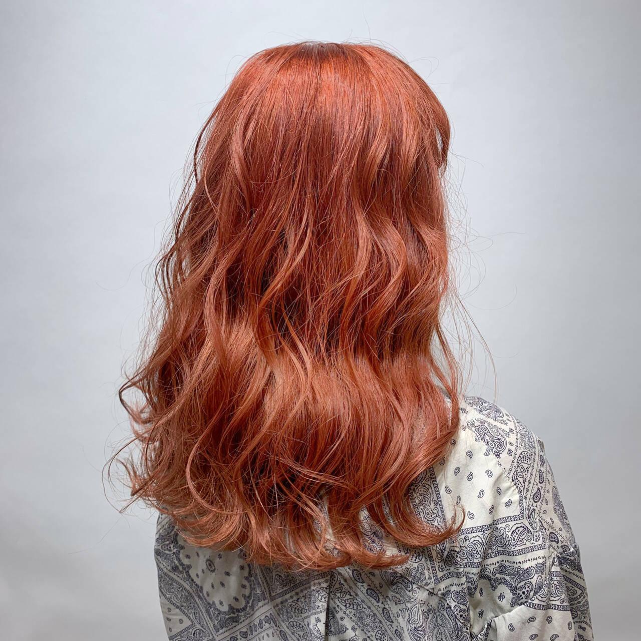オレンジカラー ガーリー アプリコットオレンジ ハイトーンヘアスタイルや髪型の写真・画像