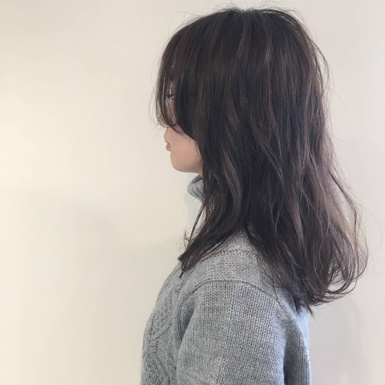 アッシュ 外国人風 ナチュラル セミロングヘアスタイルや髪型の写真・画像