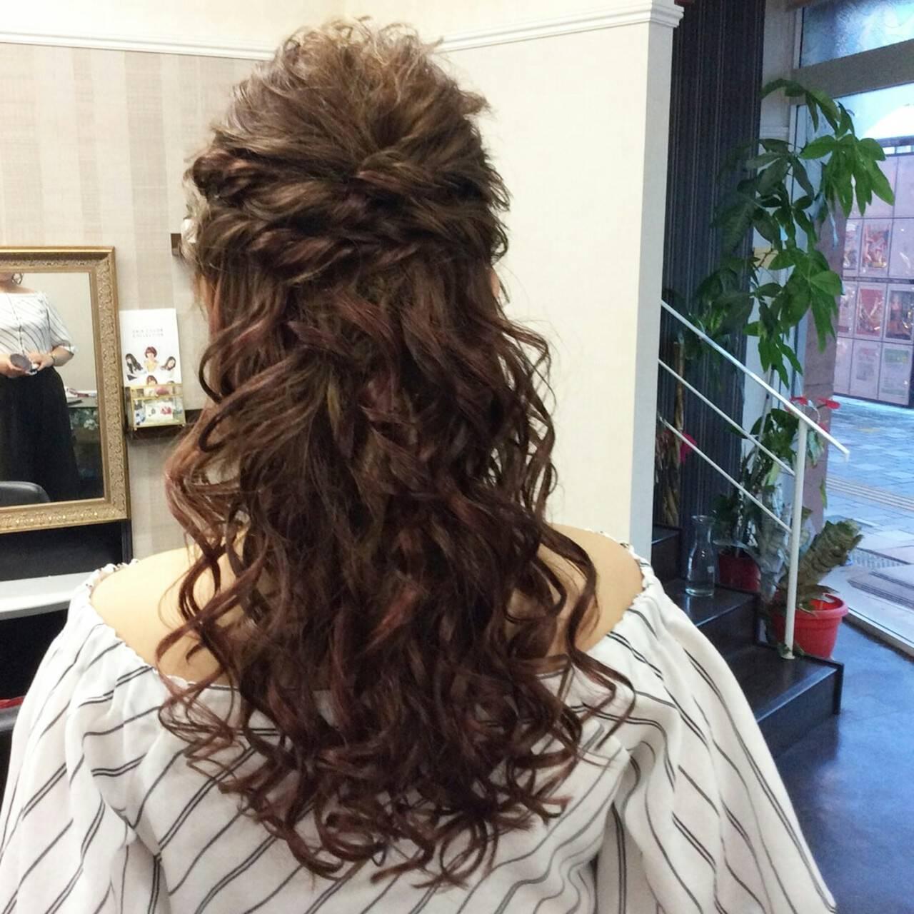 ポンパドール ナチュラル セミロング 編み込みヘアスタイルや髪型の写真・画像