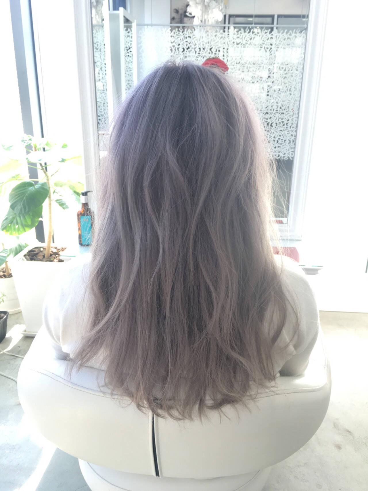 アッシュ グレージュ 大人かわいい グラデーションカラーヘアスタイルや髪型の写真・画像