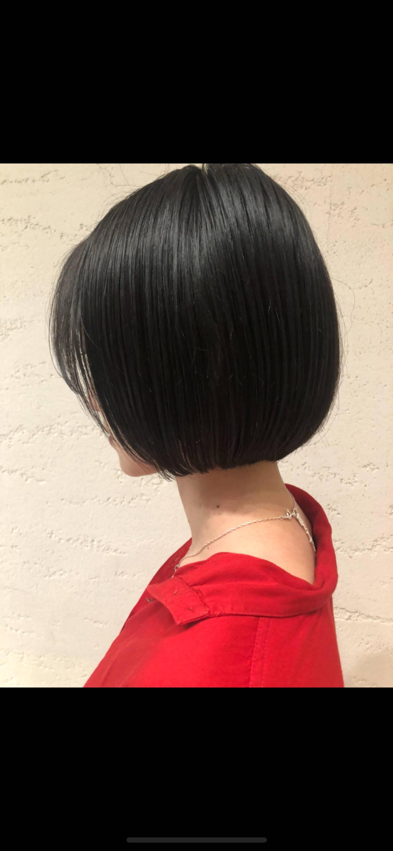モード ミニボブ ブルーブラック まとまるボブヘアスタイルや髪型の写真・画像