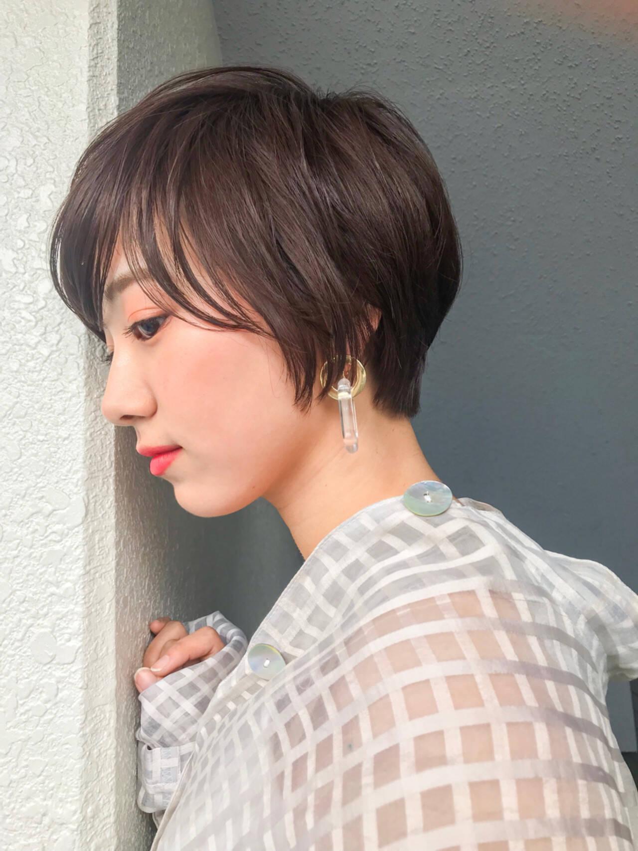 ショート レイヤーカット 大人かわいい フェミニンヘアスタイルや髪型の写真・画像