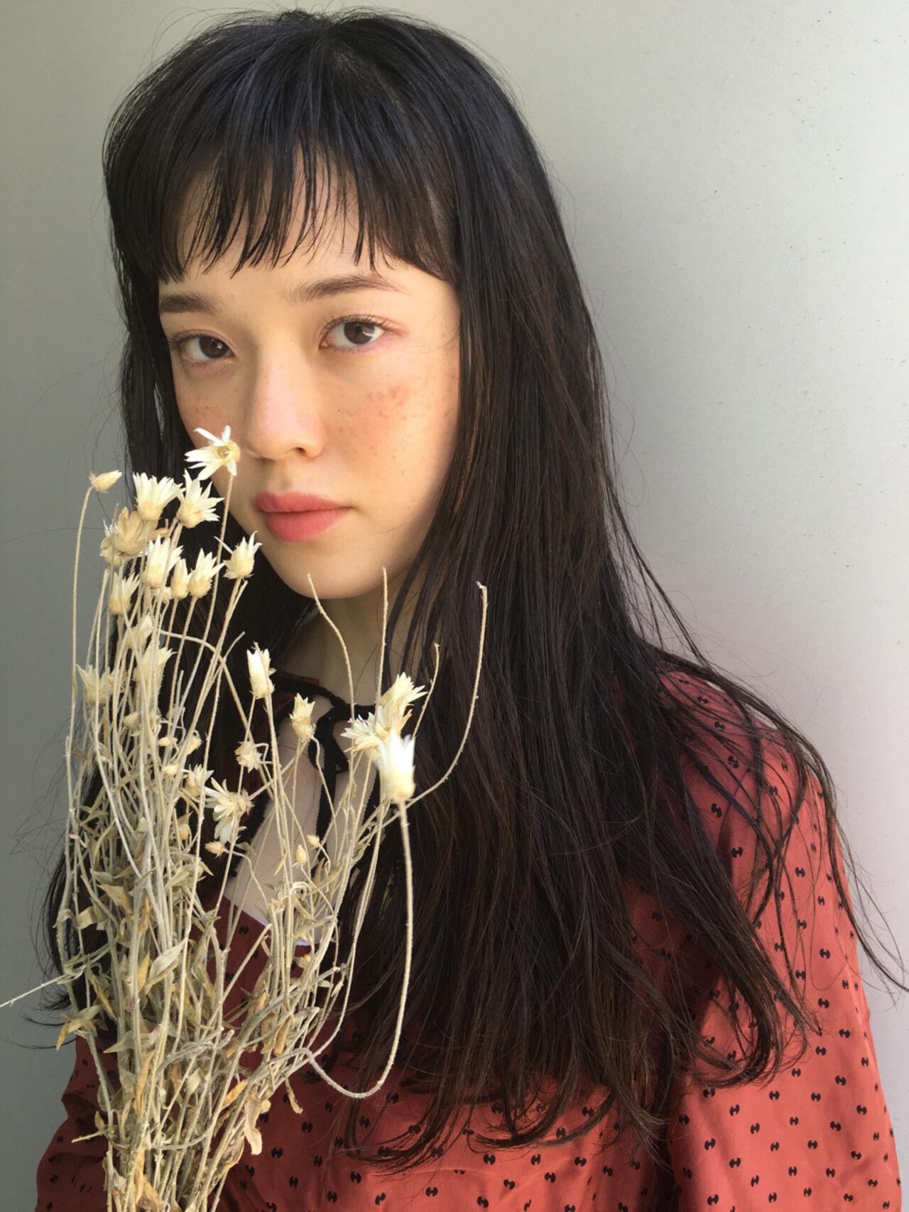 リラックス 女子会 パーマ セミロングヘアスタイルや髪型の写真・画像