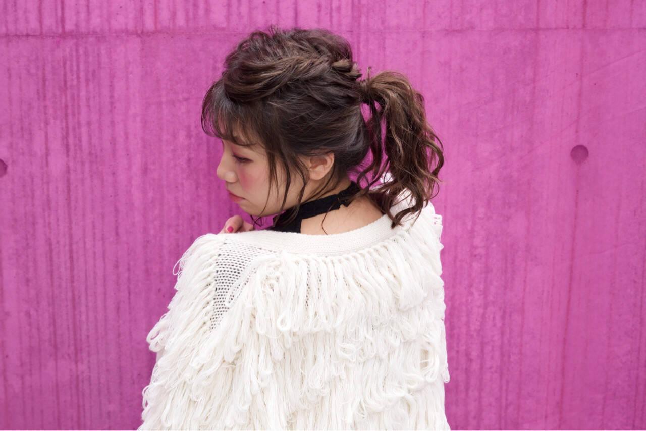 パーマ ストリート ハーフアップ ミディアムヘアスタイルや髪型の写真・画像