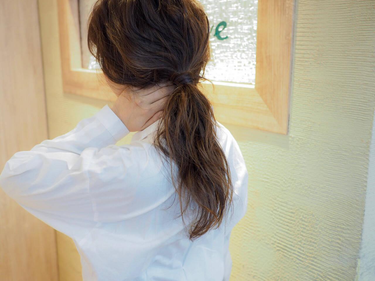 ナチュラル ウェーブ ポニーテール ヘアアレンジヘアスタイルや髪型の写真・画像