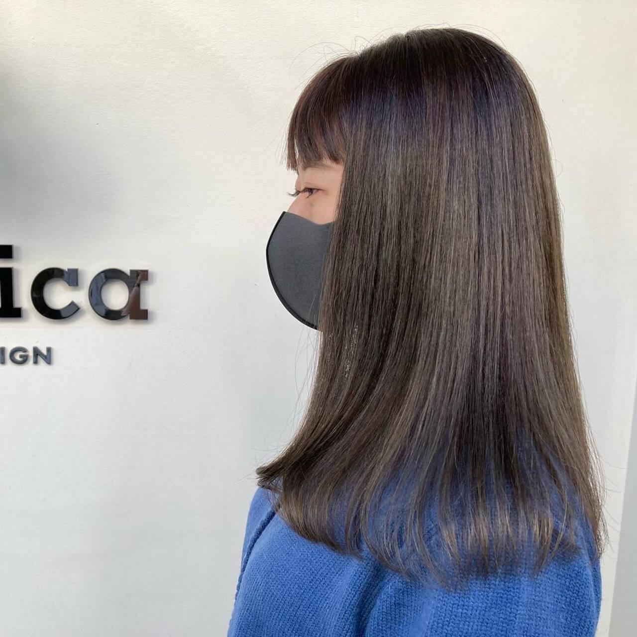 セミロング ブルーアッシュ ナチュラル ロブヘアスタイルや髪型の写真・画像