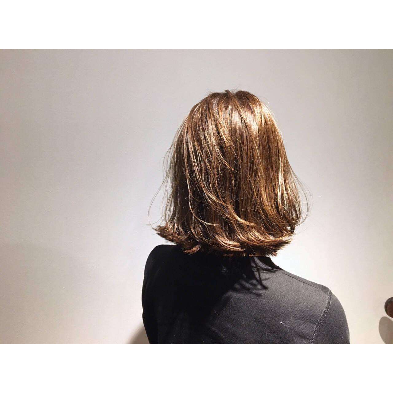 ボブ ガーリー 外国人風 ベージュゴールドヘアスタイルや髪型の写真・画像