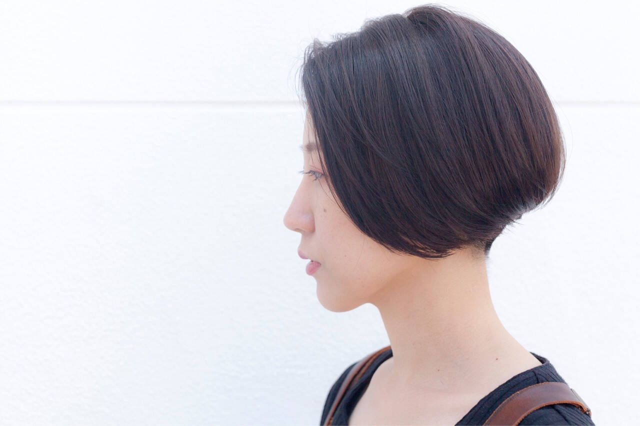 モード アッシュグレージュ ショート ボブヘアスタイルや髪型の写真・画像