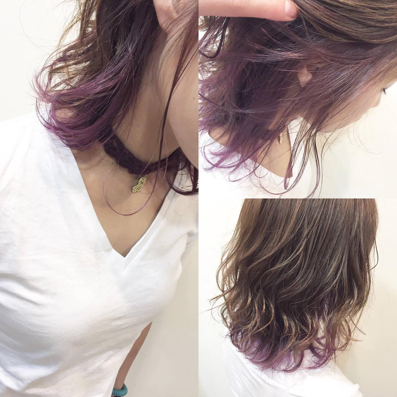 パープル インナーカラー ピンク ナチュラルヘアスタイルや髪型の写真・画像