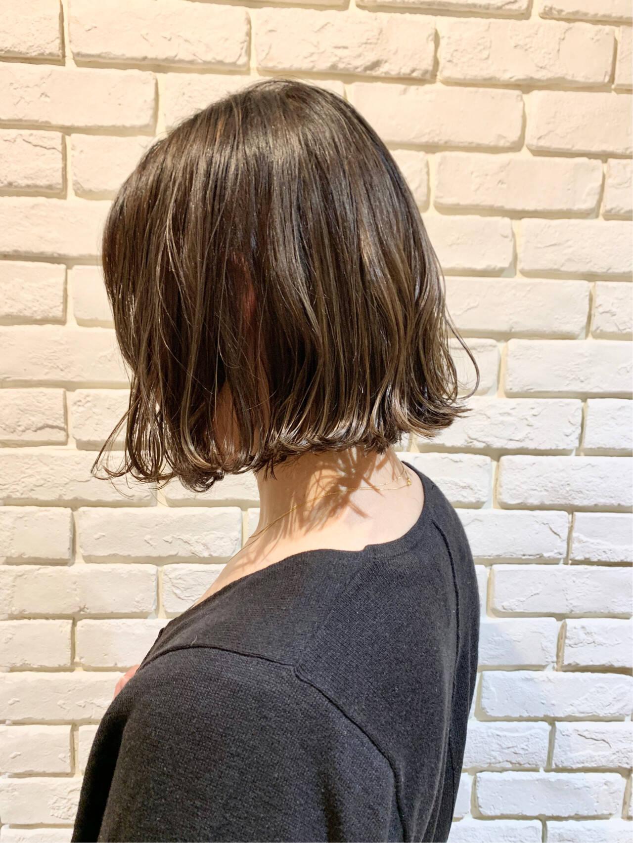 アッシュベージュ ナチュラル ベージュ ミニボブヘアスタイルや髪型の写真・画像