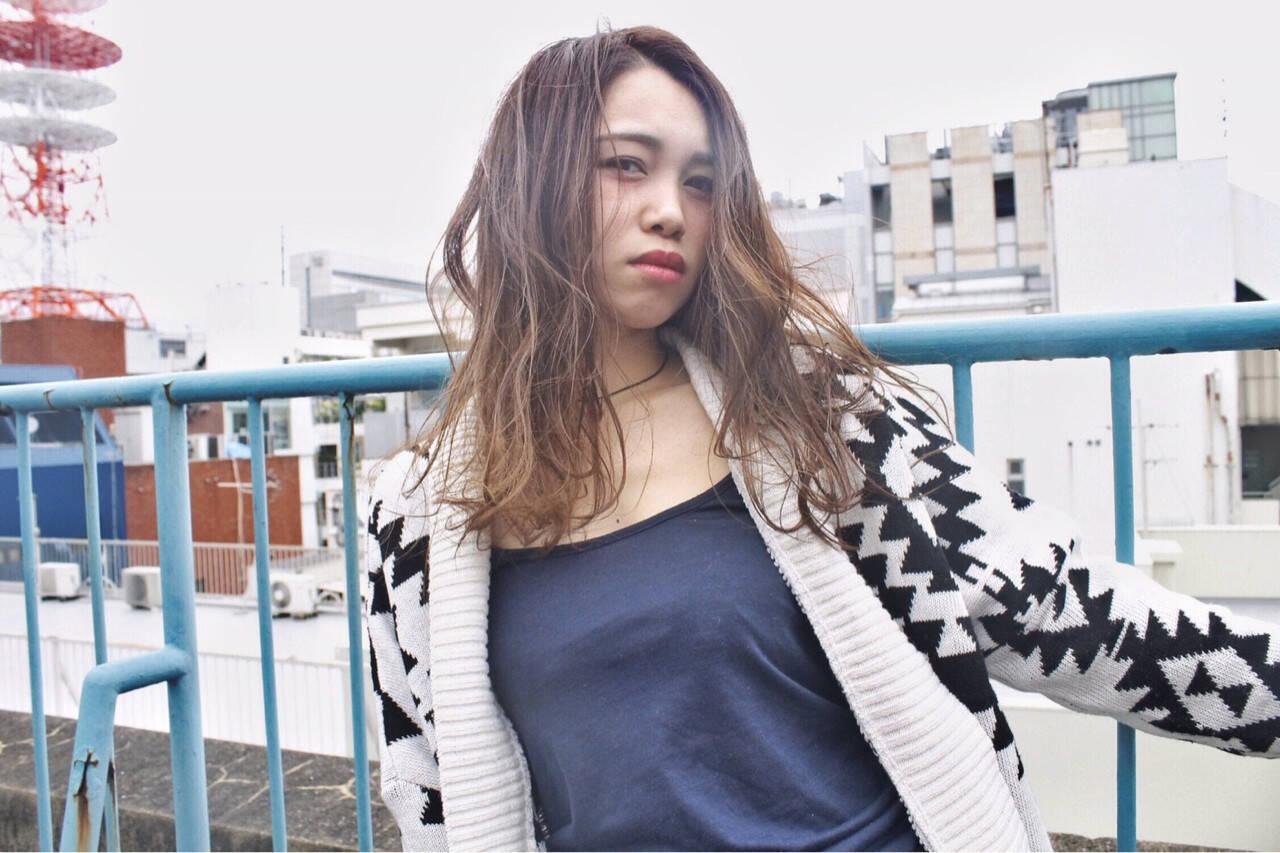 ブラウン アッシュ グラデーションカラー ロングヘアスタイルや髪型の写真・画像